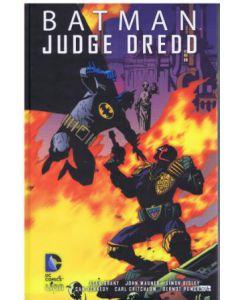 batman-judge-dredd-hc-001.jpg
